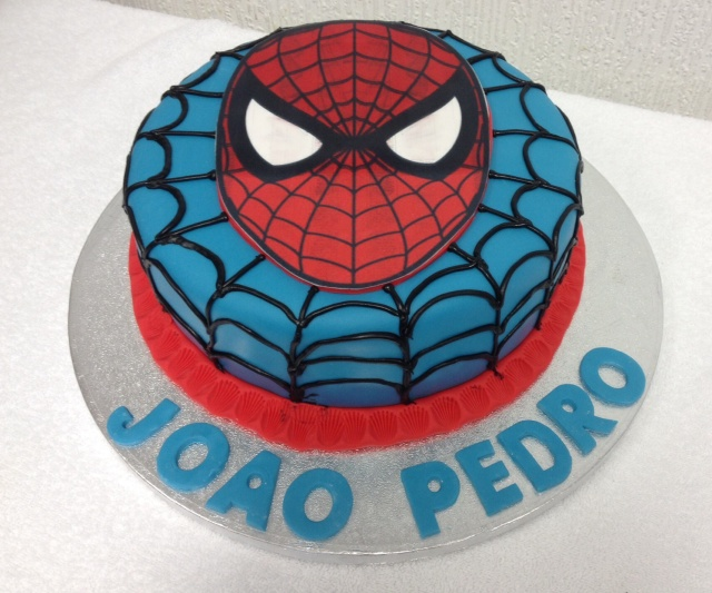Spiderman Cake by Trem De Minas